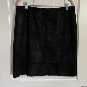 """Short pencil skirt with faux leather """"look"""""""